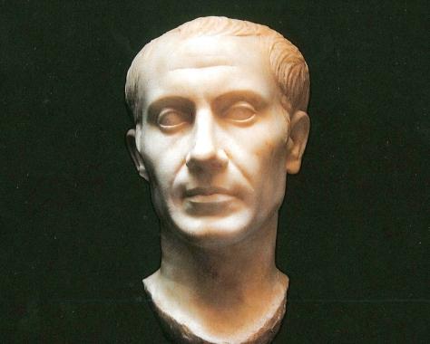 ritratto-marmoreo-di-Giulio-Cesare